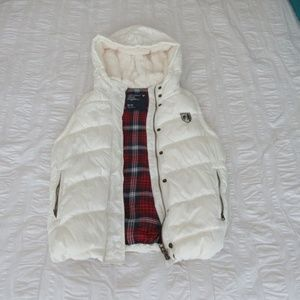 American Eagle puffer vest